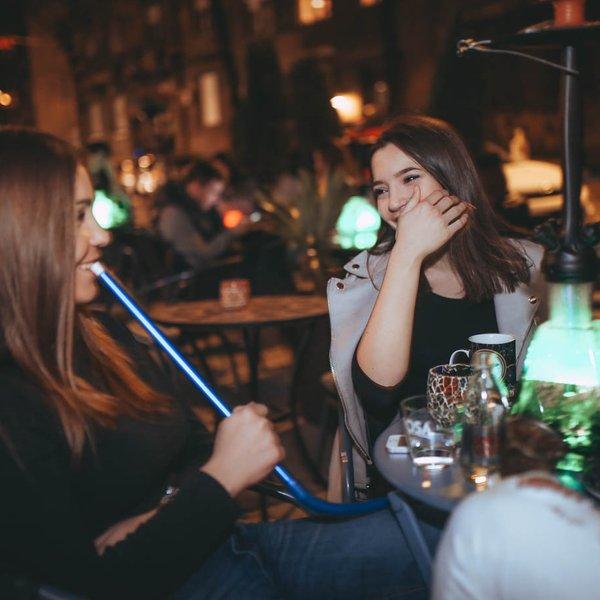 Uživanje u Royale Lounge Nargila Bar-u