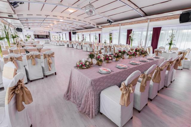 Dočekajte Novu Godinu na Brod Restoranu Flamingo