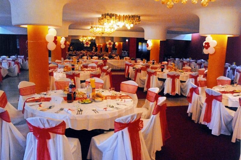 Prekrasni Restoran Doma Vojske