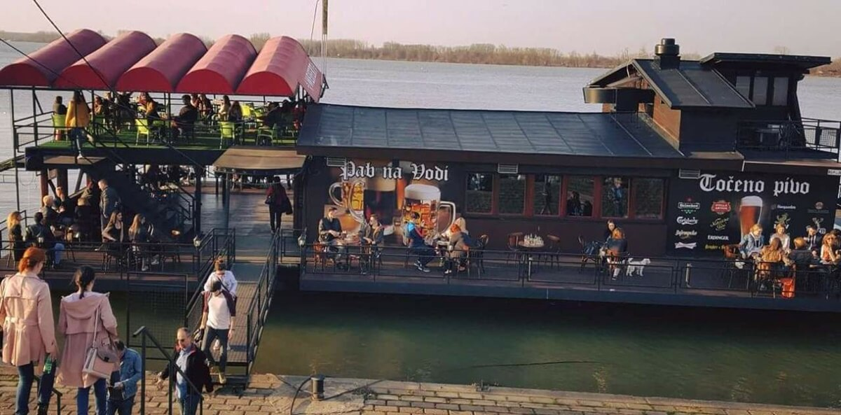 Idealno mesto za ljubitelje piva - Splav Pab na vodi