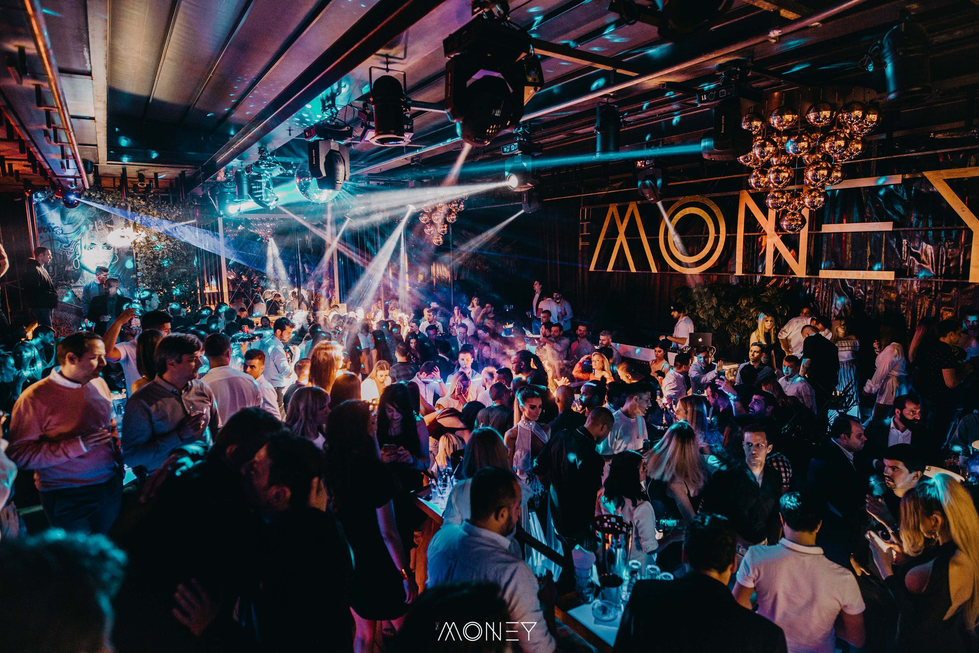 Uživajte u nastupu poznatih DJ-eva na Splavu The Money