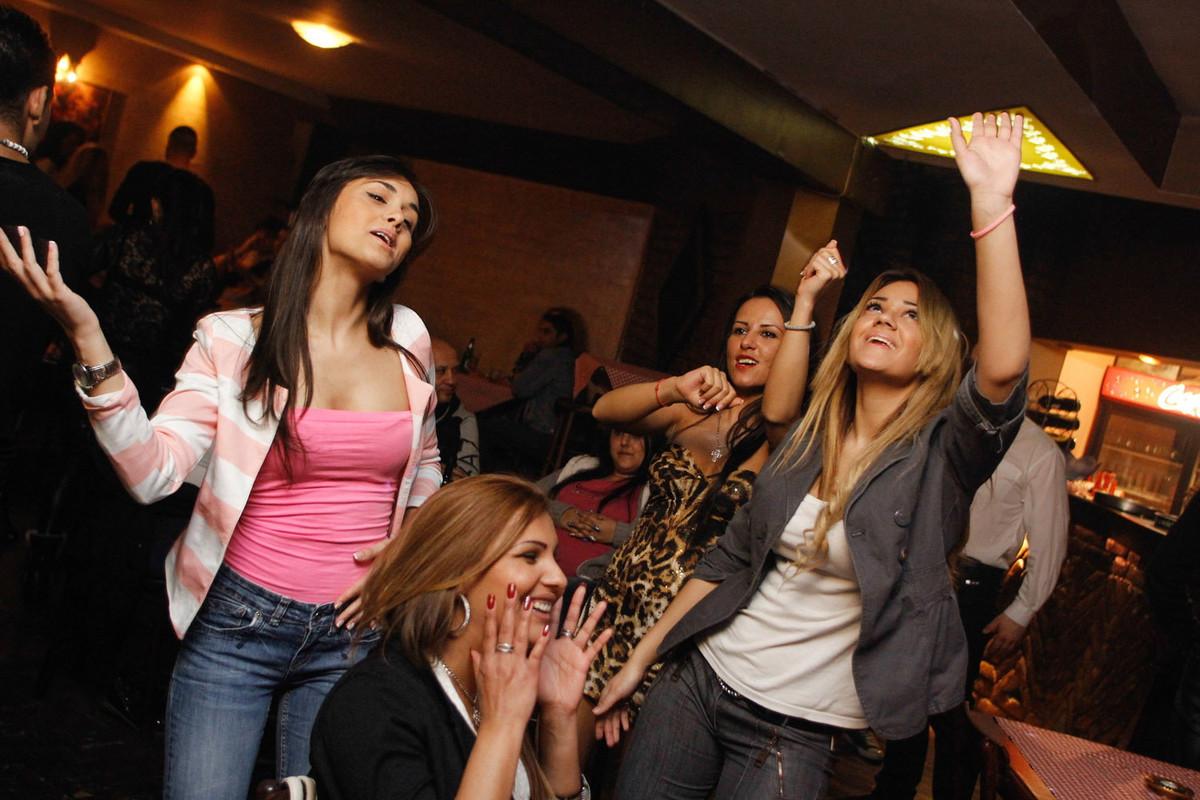 Savršeno mesto za proslavu devojačkih i momačkih večeri -  Splav Na Vodi Kafana