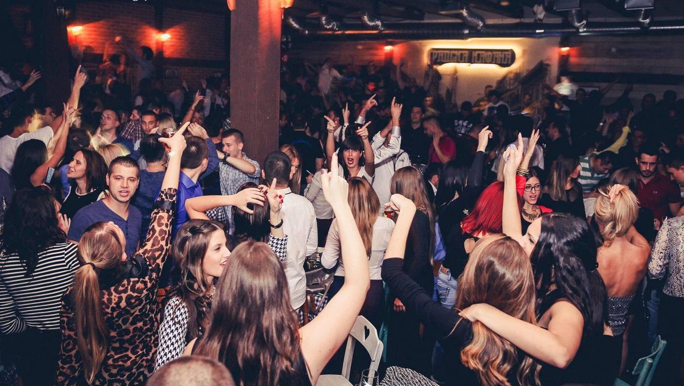 Uživajte u gostovanjima najpoznatijih pevača i bendova u Gradskoj Kafani