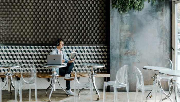 Pogledajte kako su kafići u Francuskoj osigurali socijalnu distancu izmedju gostiju