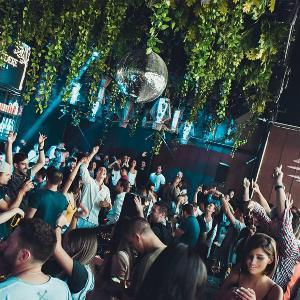 Splav Lasta – Vaše omiljeno mesto za savršene lude letnje žurke