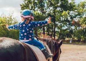 Besplatno jahanje konja za mališane u Vanilli na Adi