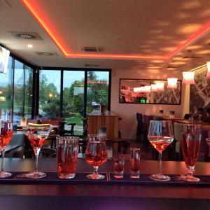 Zig Zag Lounge Bar