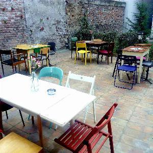 Restoran Tri, Tri Beograd