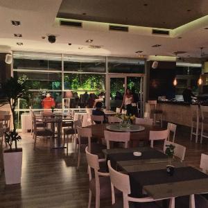La Teniza Beograd, restoran La Teniza